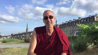 Gueshe, Rinpoche, Tulkou et Lama : que signifient ces termes?