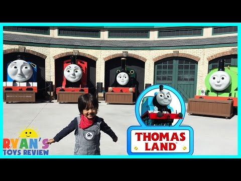 GIANT THOMAS AND FRIENDS kids Train rides at Thomas Land