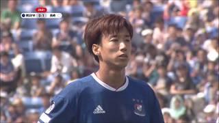 大津 祐樹(横浜FM)がPKのチャンスをゴール左隅に蹴り込み、横浜FMへの...