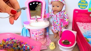 Baby Doll Bath time - Baby Born pee, bath, sleep time, feeding time PlayToys