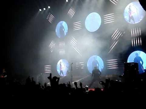 Blink 182- Man Overboard (Live)