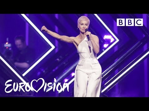 "SuRie carries on after stage invasion - ""Storm"" Live 