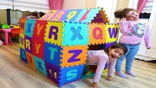 Öykü ve Masal Renkli Harflerden Oyun Evi Yaptı - Kids Play House Made of Learn Colors Alphabet