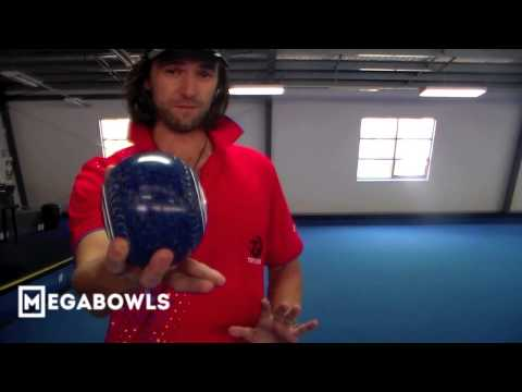 Lawn Bowls Coaching: [How To Hold / Grip A Lawn Bowl] - Nev Rodda