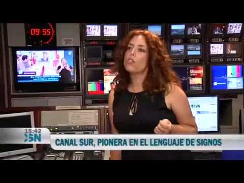 Intérpretes de lengua de signos de Canal Sur 2 - YouTube