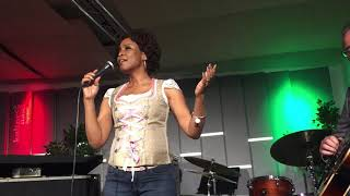 Bewitched, Bothered and Bewildered - Lori Williams & Christian Havel Live in Europe