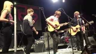 that girl acoustic cover r5 loud tour