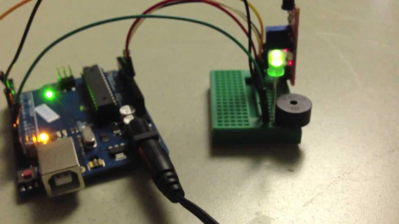 Flame detector Arduino by Sebastian Busto