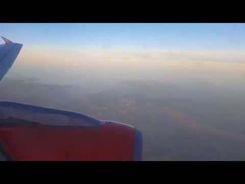 Amazing Sunset View of the Pyrenees | easyJet A319 Landing Barcelona