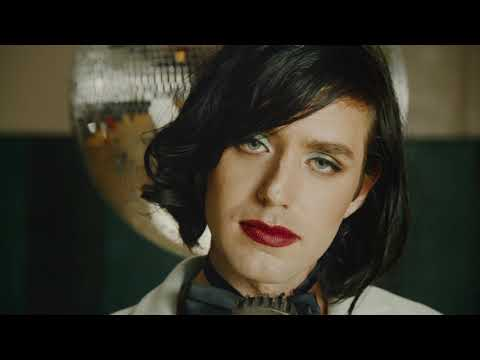 Ezra Furman - I Wanna Be Your Girlfriend (Official Video)