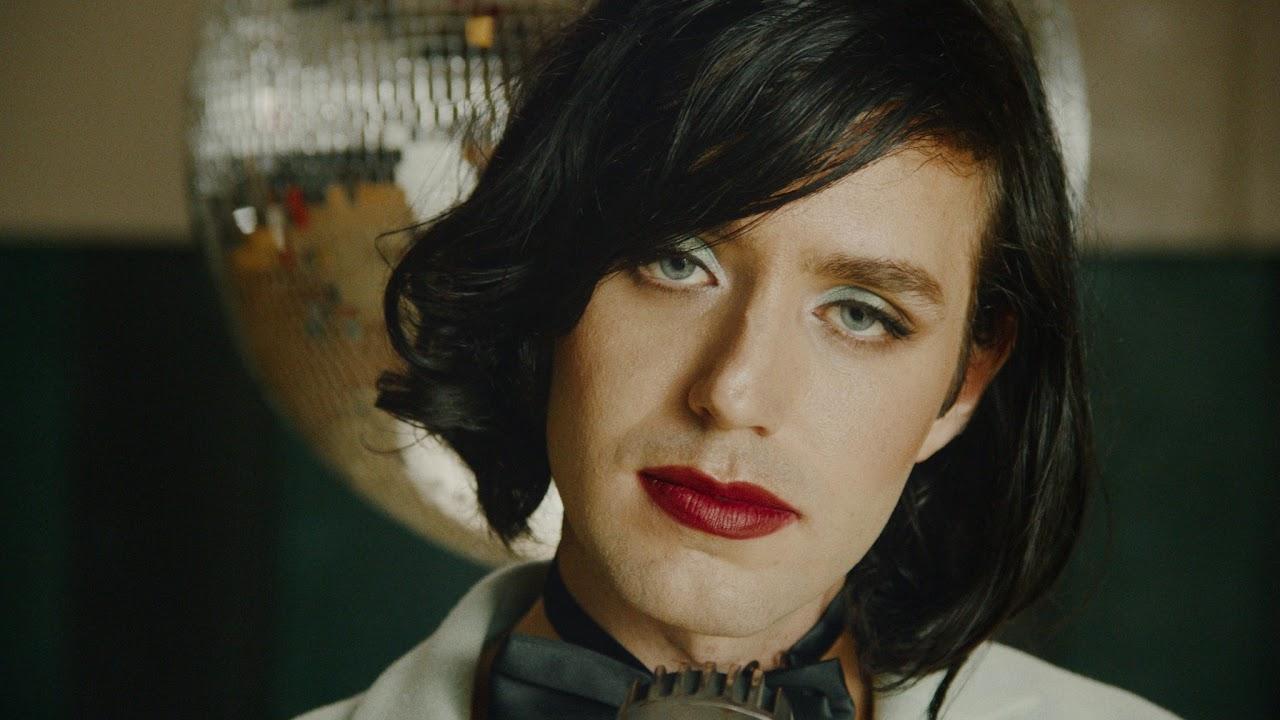 Ezra Furman - I Wanna Be Your Girlfriend (Official Video)