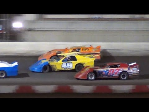 Fall Frenzy -Sportsman Main-Yeack vs. Emry @ Willamette Speedway 2018
