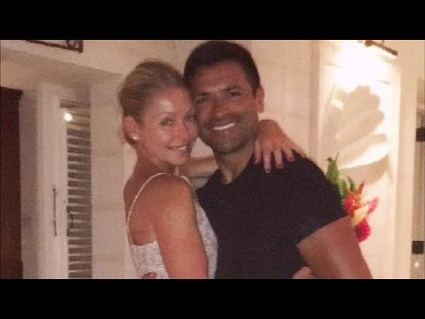 Kelly Ripa Re Wears Wedding Dress For 20th Anniversary Trip With Mark Consuelos