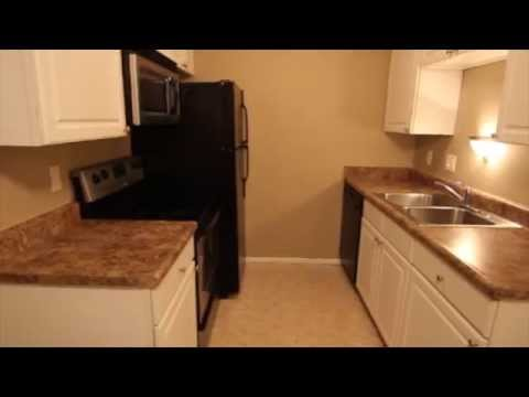 Affordable Apartment near UNO with Garage for Rent | Place 72, Omaha, NE