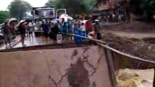 Lao Foot Bridge Construction