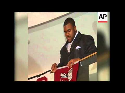 Heisman Trophy winning running back Mark Ingram announced Friday he'll  leave Alabama early to enter