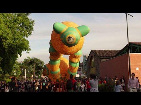 Parade d'ouverture du festival OFF d'Avignon #OFF16