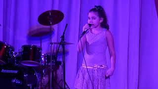 2017_11_25 Маленькая певица. Сусуман. Колыма