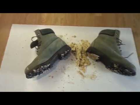 Timberland Boots food stomp, trampling bread / buns