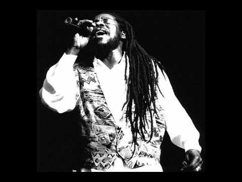 Dennis Brown - I'll Never Leave You Alone