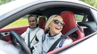 Master Driver: Nadia Toffa sulla Jaguar F-TYPE AWD