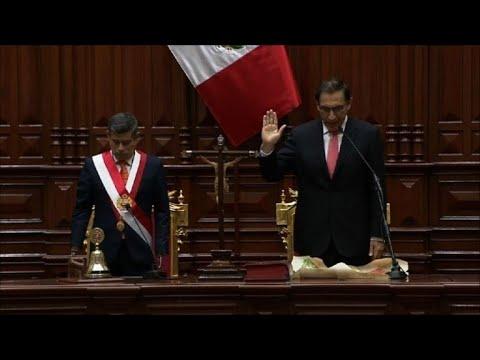 Vizcarra, juramentado, promete lucha contra corrupción en Perú