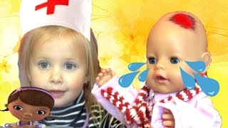 Кукла Беби Бон набила шишку Дочки матери Играем в доктора Игры для девочек