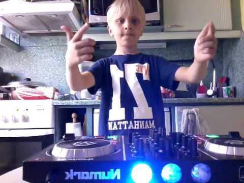 My first dj video dj controller name numark party mix /like/sub