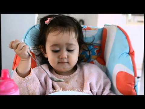 Em ăn nui và trò chuyện với mẹ  - Annalisa Lyly (21 tháng rưỡi)
