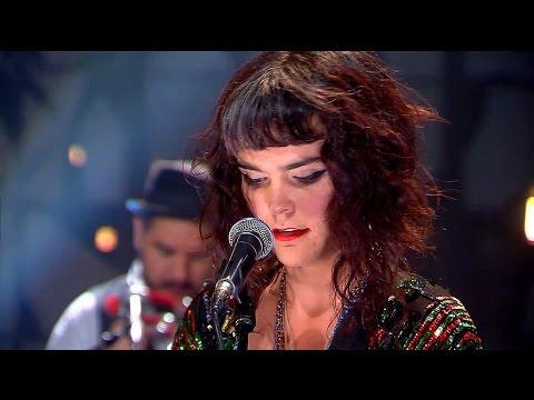 Camila Moreno - No parar de cerrar, no parar de abrir (Inédita - Puro Chile TVN)