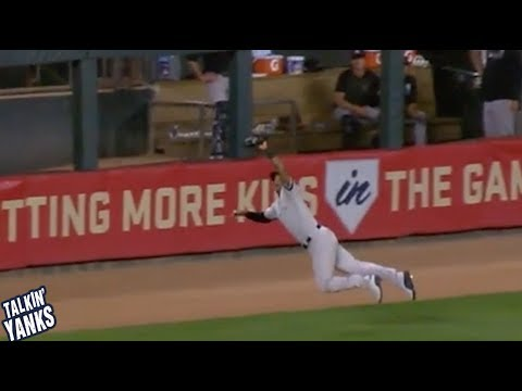 Aaron Hicks makes a game saving diving catch in the bottom of the 10th inning, a breakdown