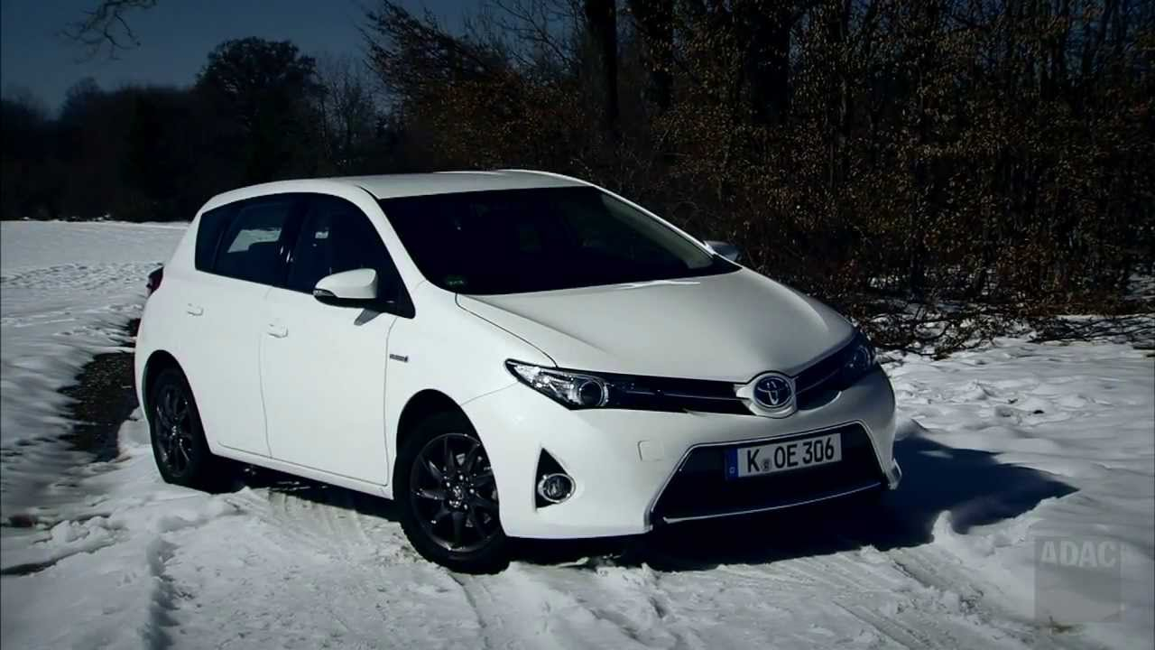 toyota auris hybrid im test autotest 2013 adac youtube. Black Bedroom Furniture Sets. Home Design Ideas