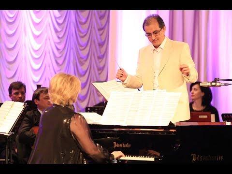 Завершение концерта PIANO DUO.