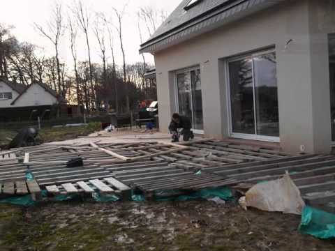 Terrasse en palette 1 re partie youtube - Comment amenager une terrasse en bois ...