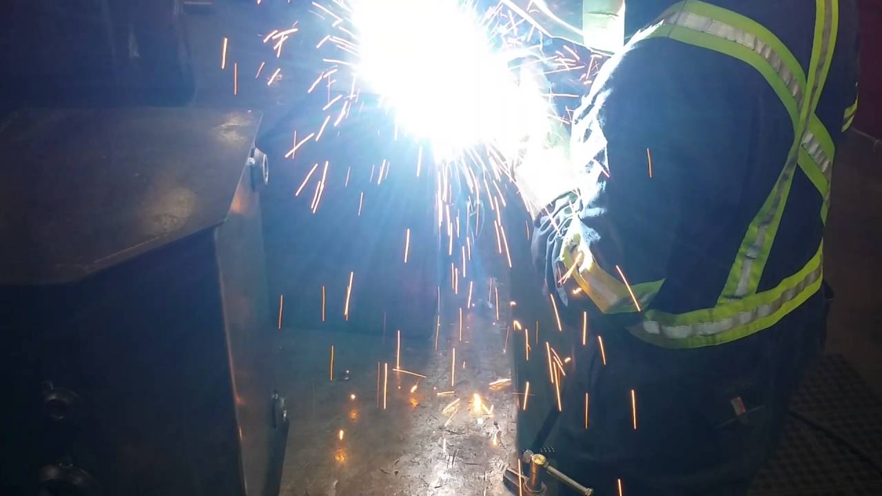 Welding MCAW on mild steel - YouTube