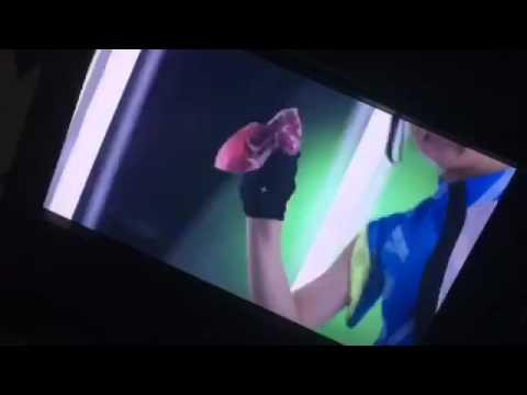 Prizmmy - Karin-chan wipe the glass