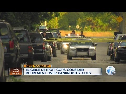 Eligible Detroit cops consider retirement over bankruptcy cuts