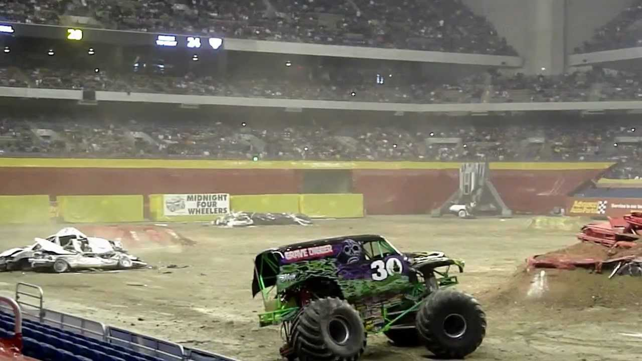 Monster Energy Amp Wolverine Finale Monster Jam 2012 Youtube