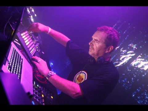 Nick Warren - (Live At Justmusic Fm 02-18-2006 Part 2 Of 2)