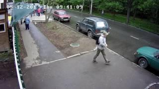Инцидент в Дубках с газовым баллончиком(Активист распылил содержимое газового баллончика в лицо охраннику., 2016-05-12T15:01:58.000Z)