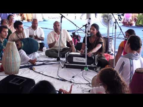 Bhajan - Julia Goyal - Toronto 24hr Kirtan - 5