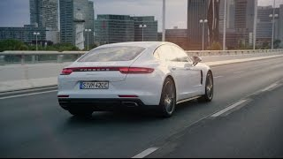 The new Panamera 4 E-Hybrid. Courage changes everything.