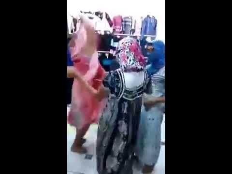 Madahat Relizane /  Chikha Relizania M3a hbabtha خخخخ By Abdou Avm