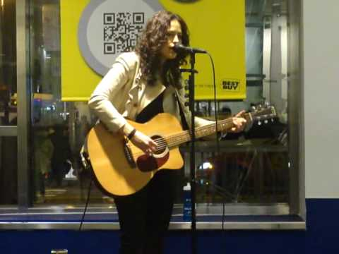 Lisa Bianco performing Big City Lights/Already Gone