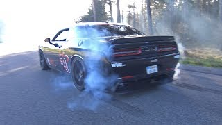 Dodge Challenger SRT 8 Hellcat - Massive Burnouts!