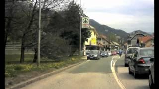 SLOVENSKE NOVICE: Policija v lov za pobesnelim motoristom