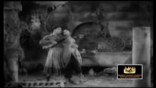 MGR & B.Sarojadevi - En Aruge Nee Irundal - Thirudathe