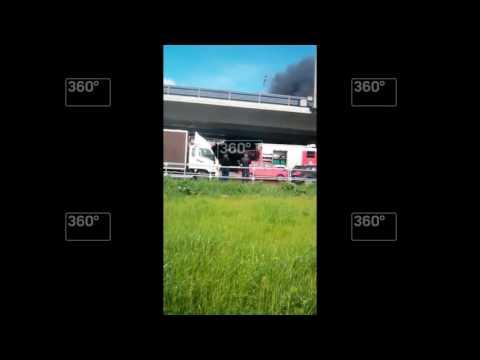 Маршрутный автобус загорелся около метро «Котельники»
