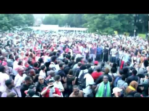 FRENCH MONTANA PEFORMS POP THAT DURING CROWD FIGHT IN AMSTERDAM (APPELSAP2012)