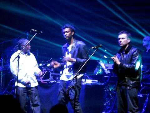 Massive Attack with Damon Albarn -  Splitting The Atom - Hammersmith 11/02/2010